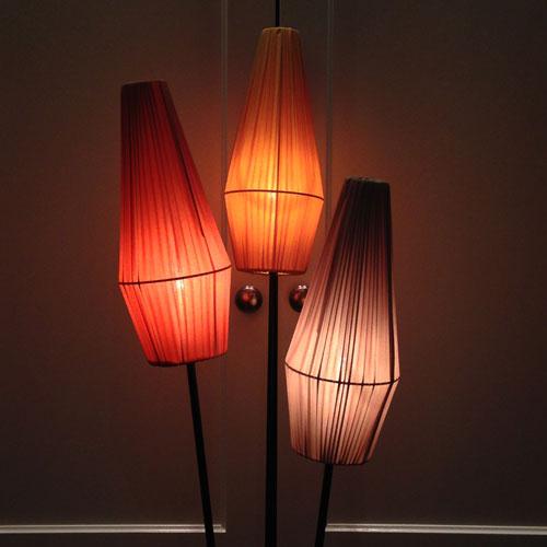 Lampskärm-50-tal-Rosa,-Guld-och-Sand-lysande