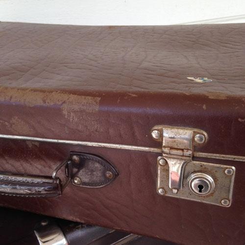 resva-ska-brun-metallfa-rgade-ho-rn-metallhandtag-2