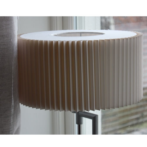 vit-modern-bordslampa-5