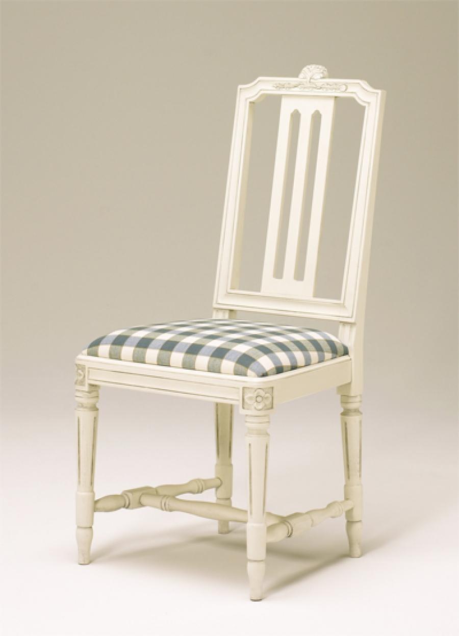 Gustavianska stolar för en tidlös och vacker inredning